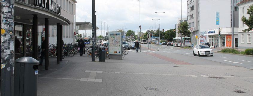 Foto_Haus_Bahn_Platz